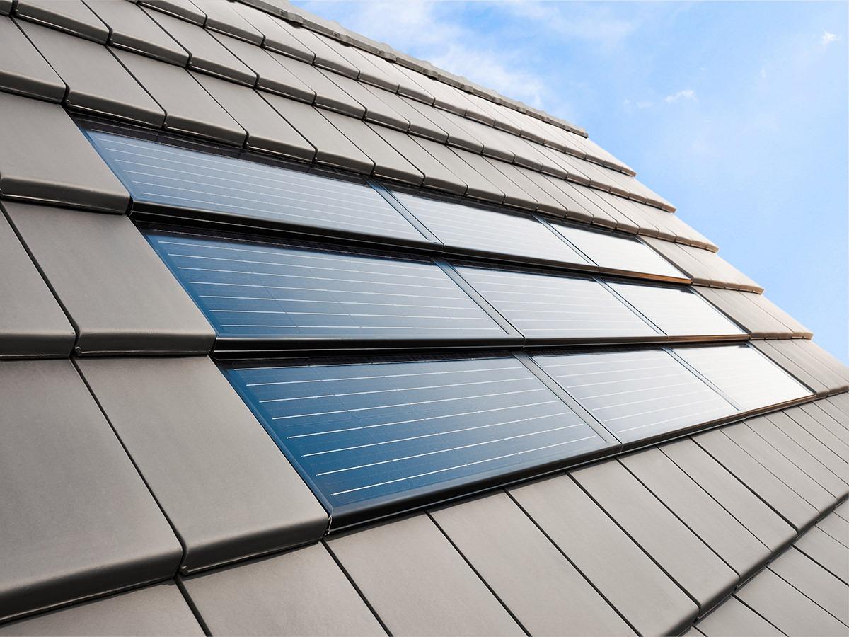 Photovoltaik Solarmodule FIT 52 als Indach-Solar-Lösung