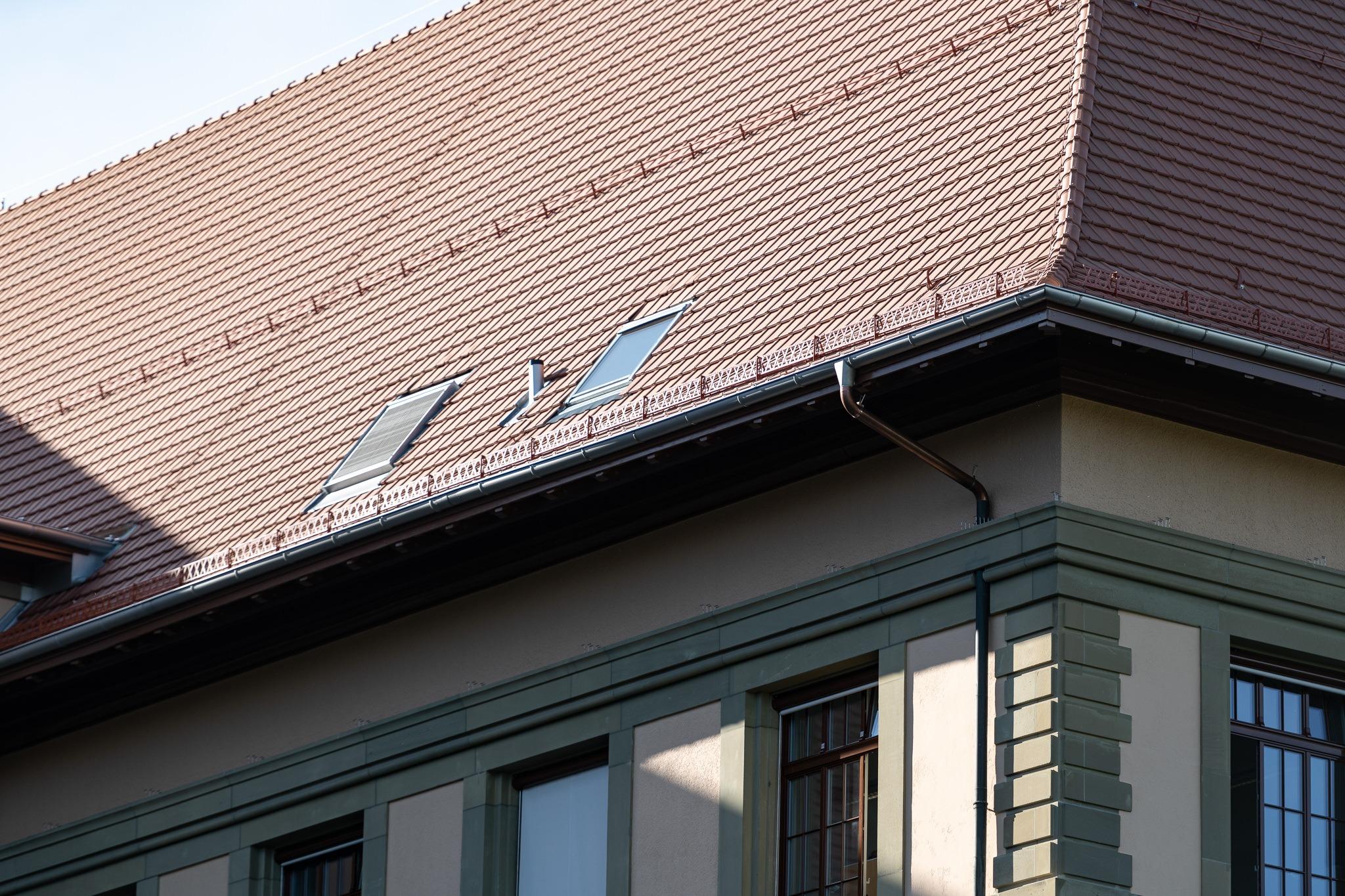 Kaserne Bern Renovation Tonziegeldach mit Flachschiebeziegel Tondachziegel FS 03 von Gasser Ceramic